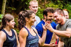 CrossFit®: ¿puedo detenerme cuando quiera?  Esto es lo que sucede al entrenar con AMIGOS (¡hay 5!)